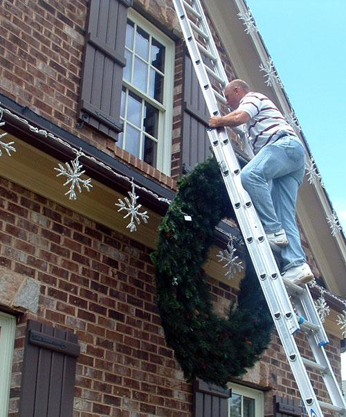 holiday-removing-lights